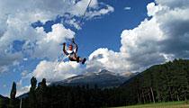 Deporte y aventura en Valle del Aragón: esquí, vuelo, parapente, montaña,